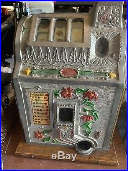 1928 To 1930 Mills Jackpot Bell (Poinsettia) Slot Machine Excellent Condition