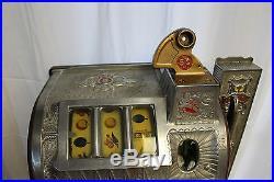 1929 5 ¢ MILLS NOVELTY Poinsettia Side Vendor gooseneck bell Slot Machine