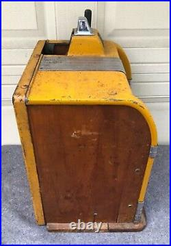 1930's Caille Bros. Co. Cadet Bell 5 Cent Slot Machine