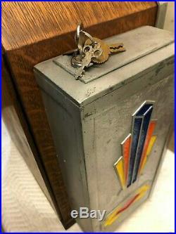 1930's JENNINGS LITTLE DUKE ONE CENT PENNY SLOT MACHINE WITH GUM VENDOR