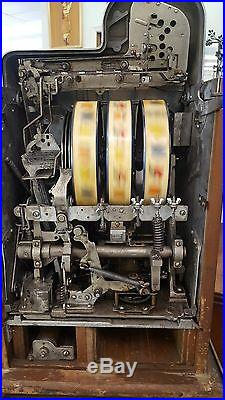 1930's Mills Novelty Co. Chigaco U. S. A. 5 cent Slot Machine All Original withStand