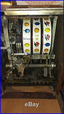 1930's Watling Baby Lincoln 5 Cent Slot Machine