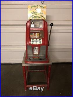 1930s/40s Antique Slot / Token MACHINE