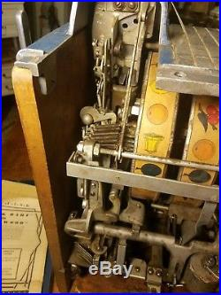 1930s Caille Slot Machine
