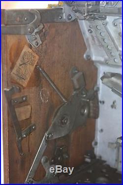 1932 Mills 5 Cent FOK. Slot Machine