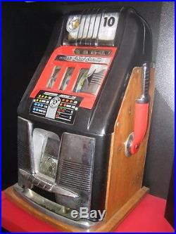 1940 Mills Beauty Slot Machine