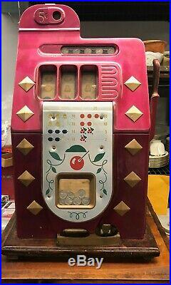 1940's 5¢ Mills Antique Slot Machine Diamond Front Coin op Display Stand 1946