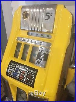1940s MILLS DEUCES 2 WILD 5 CENT HI-TOP SLOT Machine
