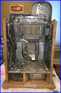 1940s Mills Chrome Bell / Diamond Front 5c Antique Slot Machine, Plays Great