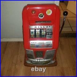 1940s Mills Slot Machine