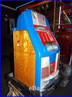 1947 Mills High Top Bell Machine Slot Machine
