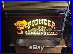 1968 Vintage Pioneer Gambling Hall 25 Cent Slot Machine by Bally-FREE SHIPPING