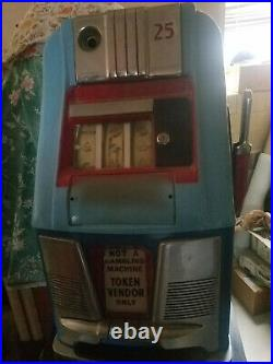 25 Cent Mills High Top Slot Machine