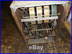 Antique Original 5 Cent Wisconsin Novelty Company Slot Machine