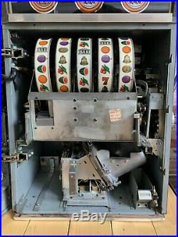 ANTIQUE VINTAGE BALLY'S MEDALIST SLOT MACHINE' (10 CENT) Great Condition