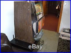ANTIQUE VINTAGE MGM Quarter Bally SLOT MACHINE