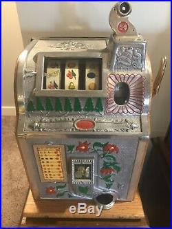 Antique 1928 Mills Poinsettia Mechanical Nickel Slot Machine