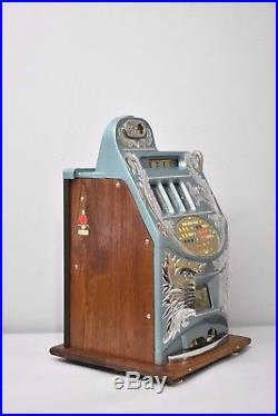 Antique. 25 Cent Mills Extra Bell Slot Machine 1940's Circa Chicago, IL