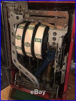Antique 25 Cents MILLS Slot Machine Bell-O-Matic 777 Jackpot Hot Shot 1963