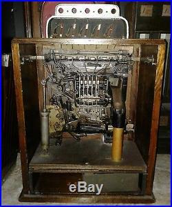 Antique Caille Ben Hur style Dog Race Penny Slot Machine