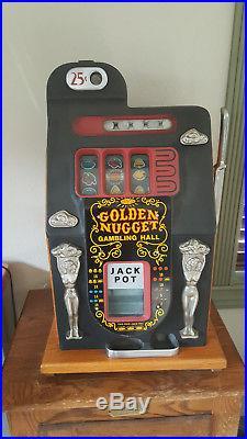 Antique Golden Nugget Slot Machine. Mills 25¢