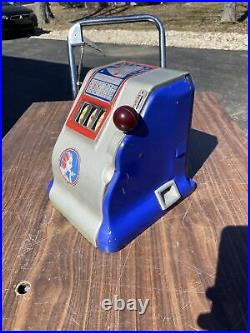 Antique Liberty 5 five cent Slot Machine fully functional with key