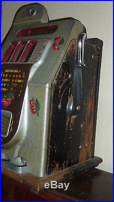 Antique Mills 10 Cent Black Cherry Slot Machine