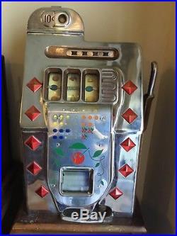 Antique Mills 1940s Silver Chrome Diamond Front 10 Cent Slot Machine