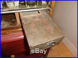 Antique Mills Poinsettia Slot Machine