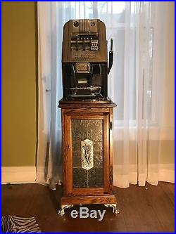 Antique Mills Slot Machine 25 cent, silver quarters inside! Includes shipping
