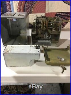 Antique Mills Vest Pocket Slot Machine/Trade Stimulator 5 Cent, 1930s
