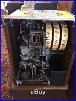 Antique Slot Machine. Dutchess. 5 cent