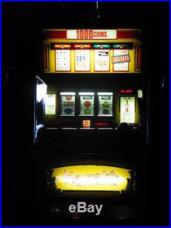 Antique Vintage Bally's Slot Machine' (harrah's) Clean And In Beautiful Shape