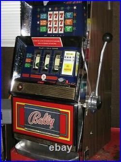 Antique Vintage Bally's Slot Machine' (model 831 3liner) Great Shape
