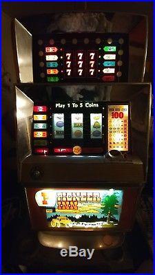 Antique Vintage Bally's Slot Machine' (model 873) Beautiful Shape