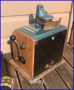 Antique Vintage Nickel Coin Operated Columbia Slot Machine