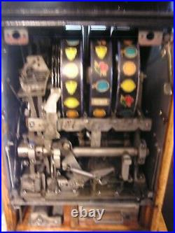 Antique mills High Top Slot Machine, 1940s