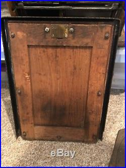 Antique working original condition slot machine with side mint vender-rare