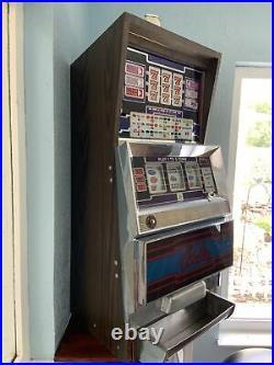 Authentic Antique Bally Casino $0.25 Slot Machine. Good Working Condition