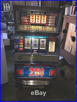 BALLY SLOT MACHINE 5 LINE FRUIT 25c E-series 30 year