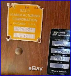 Bally E2241-28 American Wild Jackpot Slot Machine in good working order
