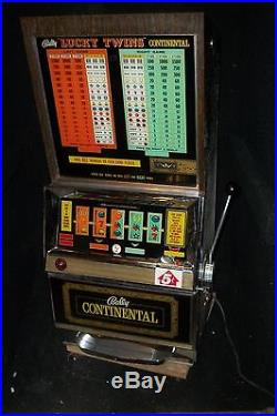 Bally LUCKY TWINS Continental slot machine. Rare in great condition