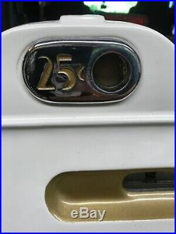 Beautiful Mills 25 Cent Antique Style Slot Machine Golden Nugget slot machine