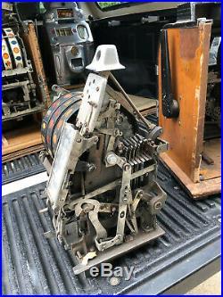 Caille antique slot machine