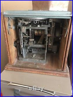 Columbia 5 Cent Slot Machine