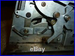 Daval Free Play 5 Cent Trade Stimulator Slot Machine
