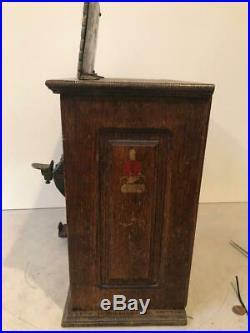 FABULOUS 1902 MILLS NOVELTY -BEN FRANKLIN poker and gum vender trade stim