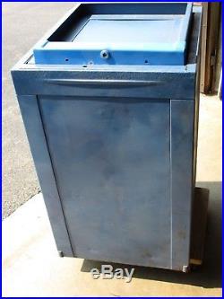 Jack-In-The-Box slot machine stand