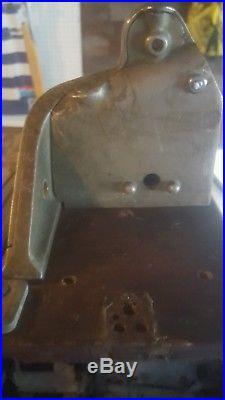 Jennings Little Duke Slot Machine