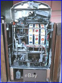 Jennings SWEEPSTAKES Chief in the CONSOLE Stand-5 Cent-Slot Machine-Beautiful